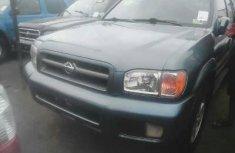 Foreign Used Nissan Pathfinder 2000 Model Blue
