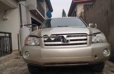 Tokunbo Toyota Highlander 2003 Model Gold