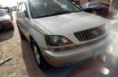 Neat Nigerian used Lexus RX300 2000 Model