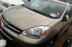 Toyota Sienna 2006 Model Foreign Used Gold for Sale