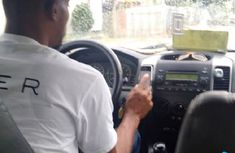 Uber driver declines to return rider's wallet! See his reason