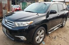 Neat Nigerian used 2011 Toyota Highlander