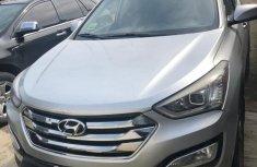 Neat Nigerian used 2014 Hyundai Santa Fe