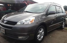 Foreign Used Toyota Sienna 2005 Model Gray