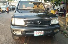 Neat Nigerian used 2004 Toyota Land Cruiser