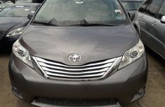 Very Clean Foreign used Toyota Sienna 2012