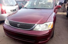 Super Clean Foreign used Toyota Avalon 2002
