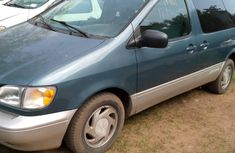 2000 Toyota Sienna Foreign Used Blue Minibus