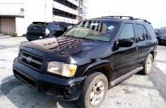 Neat Nigerian used Nissan Pathfinder 1999