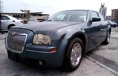 Neat Nigerian used Chrysler 300C 2005