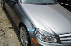 Neat Foreign used Mercedes-Benz C350 2009