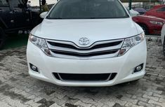 Foreign Used 2015 Toyota Venza Petrol