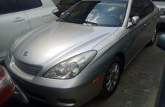 Foreign used Lexus ES330 2004 model for sale.