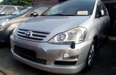 Neat Foreign used Toyota Avensis 2005