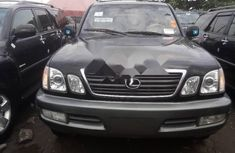Clean Foreign used Lexus LX 2004