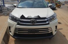 Super Clean Foreign used 2019 Toyota Highlander