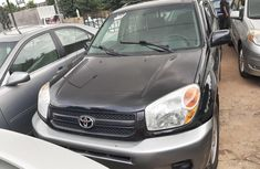 Super Clean Foreign used 2005 Toyota RAV4