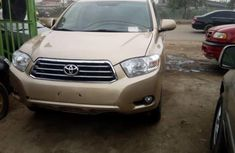 Tokunbo Toyota Highlander 2009 Model Gold