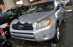 Super Clean Foreign used 2006 Toyota RAV4