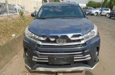 Neat Nigerian used Toyota Highlander 2016