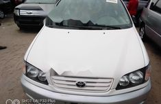 Foreign Used Toyota Previa 1998 Model White