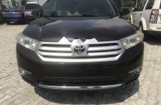 Well Maintained Nigerian used Toyota Highlander 2011