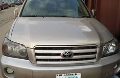 Toyota Highlander SUV 2006 Nigeria Used Gold for Sale