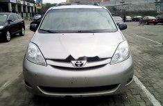 Nigeria Used Toyota Sienna 2007 Model Beige