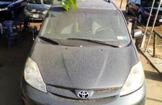 Nigeria Used Toyota Sienna 2007 Model Blue