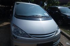 Clean Foreign used Toyota Previa 2004