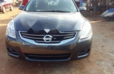 Neat Foreign used Nissan Altima 2010