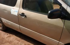 Nigerian Used Toyota Sienna 1999 Model Gold for Sale
