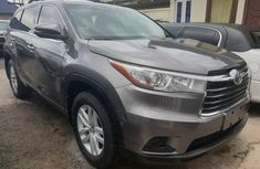 Clean Foreign used 2017 Toyota Highlander