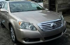 Neat Foreign used Toyota Avalon 2008