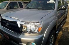 Very Clean Foreign used Toyota Tacoma 2007