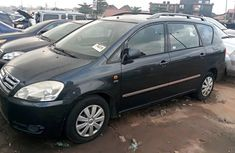 Super Clean Nigerian used 2005 Toyota Avensis