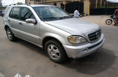 Neat Nigerian used Mercedes-Benz ML 320 2002