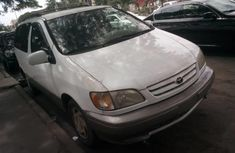 Extremely Neat Foreign used Toyota Sienna 2002