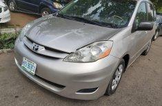 Nigeria Used Toyota Sienna 2008 Model Silver