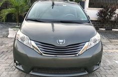 Foreign Used Toyota Sienna 2012 Model Gray