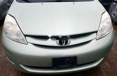 Neat Foreign used 2007 Toyota Sienna
