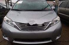 Clean Foreign used Toyota Sienna 2012