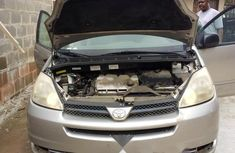Clean Foreign used Toyota Sienna 2005