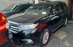 Neat Foreign used 2011 Toyota Highlander