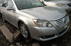 Foreign Used Toyota Avalon 2005 Model Silver