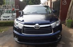 Neat Foreign used Toyota Highlander 2015