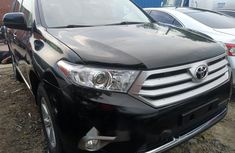Neat Foreign used 2012 Toyota Highlander