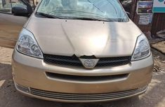 Clean Foreign used 2005 Toyota Sienna