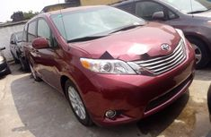 Foreign Used Toyota Sienna 2012 Model Red