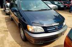 Foreign Used Toyota Sienna 2003 Model Blue for Sale